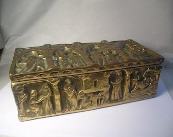 An Antique Bronze Pottery Box A18