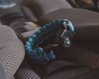 Survival bracelet with compass and whistle - Paracord bracelet - Woven bracelet - Macrame bracelet - Solomon Cobra