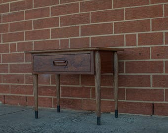 Lane Acclaim table with sculpted handle