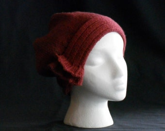 Burgundy Side Slip Cloche Brings back a touch of the 20'