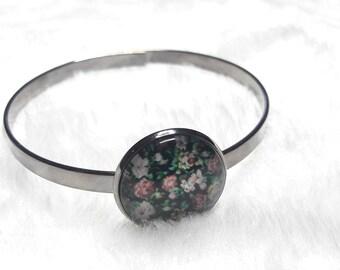 Thin dark grey green and pink flowers bracelet