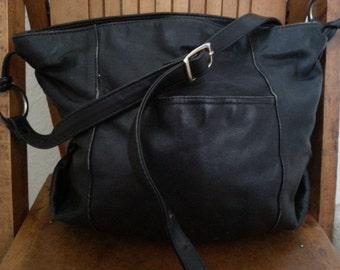 BAG    ///   Black Large Leather Bag