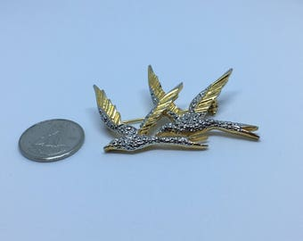 Michele Lynn birds in flight brooch