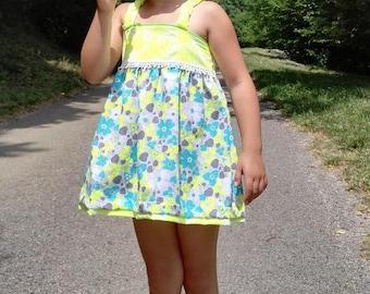 "Girl with elastic straps ""Bright sun"" tunic."