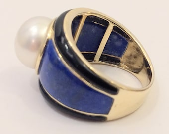 Vintage solid gold 14 carat handmade wide ring with Lapis lazuli, Onyx & large south sea pearl - 1970