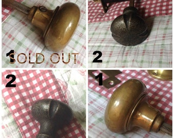 vintage metal door knobs,old metal door knobs,brass door knobs,antique brass door knobs