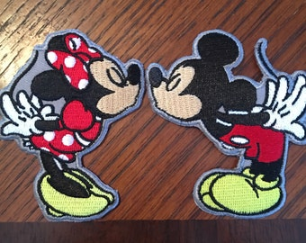 "Kissing Mice (2) patch ""SET"" Minnie & Mickey."