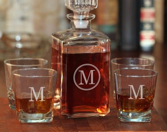 Circle Initial Whiskey Decanter and 4 Rocks Glasses | Personalized Decanter Set | Gifts for Him | Groomsmen Gifts | Free Personalization