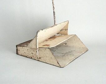 1900s Dust Pan Floor Cleaning  Long Handle Sweeping Tool