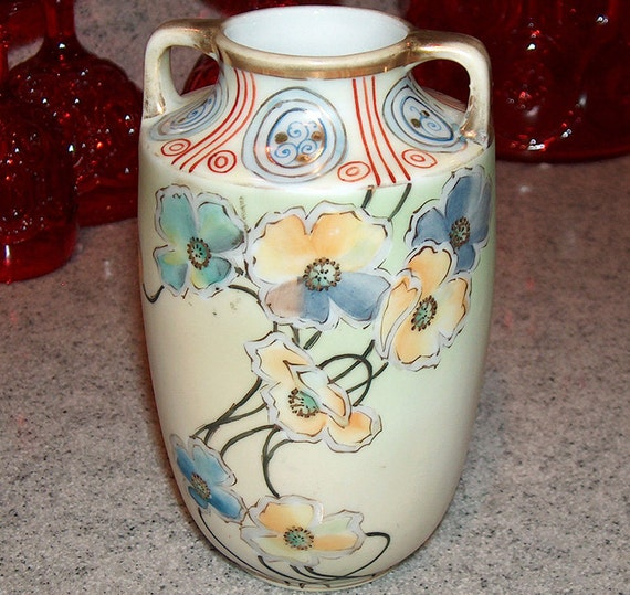P7443 Antique Nippon Vase 6 Hand Painted Green Wreath