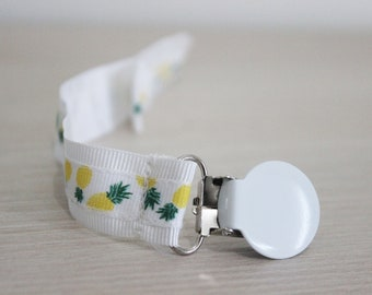 Pineapple pacifier clip, pacifier clip girl, Baby pacifier clip, Binky Clip, Dummy clip, Paci Clip, Pacifier holder girl