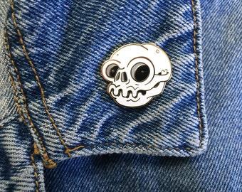 Enamel Skull Pin, gold emanel pin, skull lapel pin, hard enamel pin, skull art,