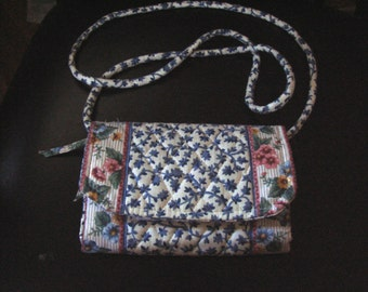 Vera Bradley Designs Quilted Delft Large Strap Crossbody Wallet Mint UnUsed Condition
