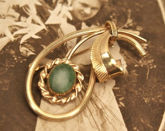 Vintage Green Jade Pin