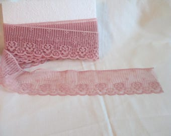 """Vintage rose pink flat lace 3 yards 30 inches  and 2 1/2"""" wide for clothing and craft sewing"""