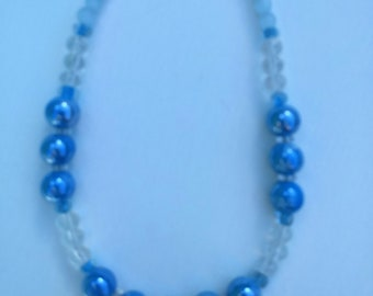 Short Blue Pearlized Necklace