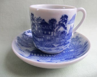 Willow pattern / Small decorative teacup and saucer / Blue and white / Traditional porcelain / Miniature duo / Ornamental tea set