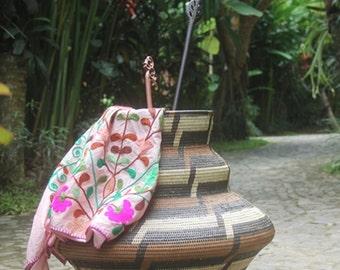 basketware/woven baskets/rattan baskets/homewares/patterned baskets/weave/storage baskets/interiors/decorative baskets/big baskets/woven art