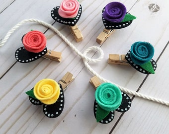 Handmade Felt Roses Heart Chalkboard Clothesline, Baby Wedding Shower Gift, Rainbow Flowers, Chunky Mini Clothespin Clips, Set of 6