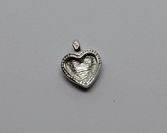 Vintage sterling silver 925 heart shaped pendant