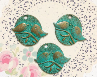 Handpainted Verdigris Patina Love birds pendant Charms (18016) - 29x25mm
