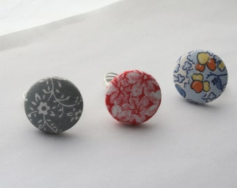 Large Button Ring / Vintage Floral Fabric Button Wire Wrapped Ring