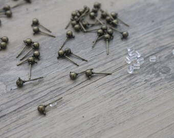 Package includes 2 length 15mm brass Stud Earrings