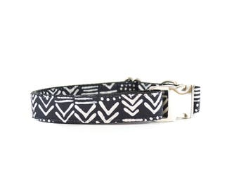 Black and White Tribal Glyph Dog Collar