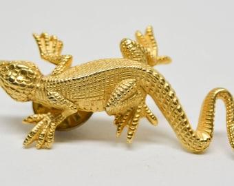 charming lizard pin