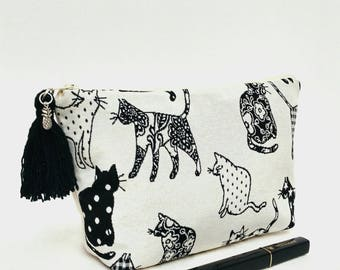 Cats makeup bag, Valentine gift for women, cats cosmetic bag, cats toiletry bag, cats zipper pouch, cat lover pouch, cat lover gift her