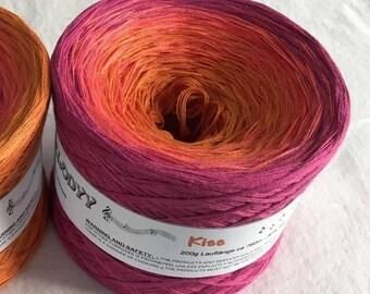 Kiss - Gradient Yarn - Raspberry Cotton Yarn - Pink Acrylic Yarn - Ombre Yarn - Wolltraum Yarn - Fingering Weight - Fine Yarn - Sport Weight
