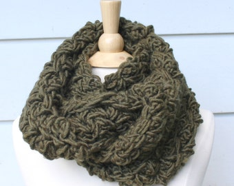 Moss green crochet scarf, crochet scarf for women, winter scarf for her, knit scarf for women, wool scarf, gift for her, mothers day gift