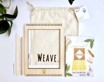 Frame loom weaving kit - Learn to weave with Le Petit Moose - Great travel size loom!