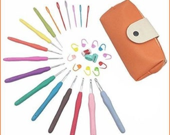 New!! Knitting Needle crochet hook 11 sizes, in pouch, knitting markers