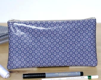 Pencil case blue with white pattern