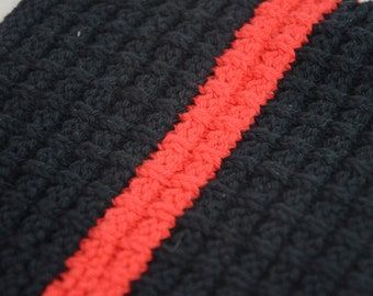 Hand knit washcloth (Black with red stripe)