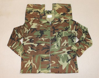 vintage 60's - 70's -American Field Sportswear- Men's coveralls. Woodland camo - Hunting gear.  Large. Made in USA