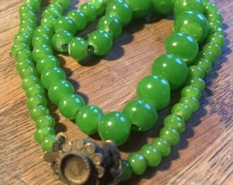 Vibrant green bead necklace