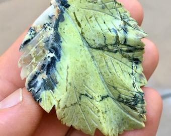 Top Quality 18g Hand Carved Serpentine Leaf Crystal Carving - Peru - Item:SPT17002