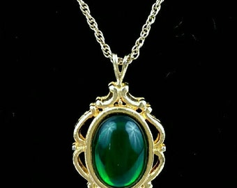 Vintage 1950s Green Lucite Pendant and Gold Chain Necklace