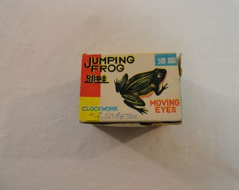 Clockwork Jumping Frog With Moving Eyes In Original Box With Key Made in China MS082