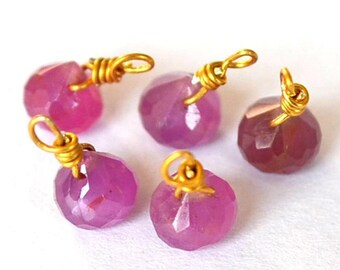 Gorgeous 1 small Sapphire onion Pink Pearl on gold wire