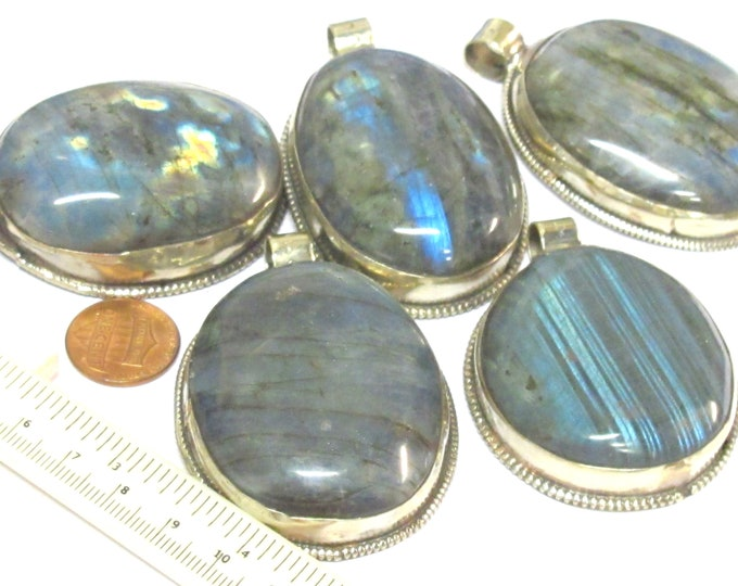 1 Pendant - Gorgeous Large size oval shape Tibetan Nepal genuine Labradorite gemstone pendant with flower carving on other side - PM599C