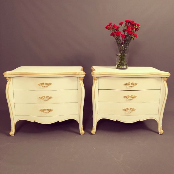 French style pair of nightstands/end table by Able furniture 1950's