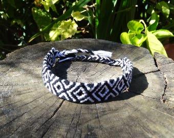 Bracelet Brazilian black and white pattern