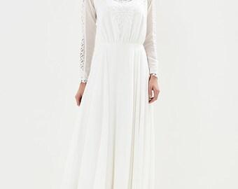 Boho lace wedding dress / straight dress / lace neckline / elegant dress
