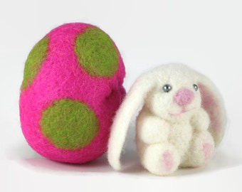 Needle Felted Bunny in a Wool Felted Egg, Easter Basket Filler, Bunny Toy, Spring Table Decoration, Handmade Miniature Easter Decoration