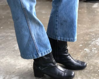 7.5   Women's 1960's Hush Puppies Black Leather Fleece Lined MOD Boots