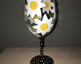 Daisy Wine Glass
