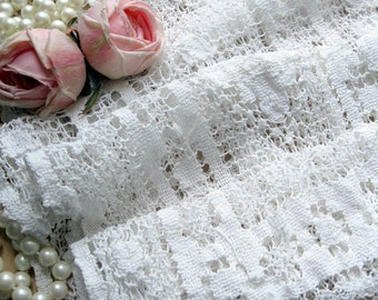 Needlework Lace Runner, Needlework Lace, Netted Lace,  Romantic Home, Dresser Scarf,  Table Linens, by mailordervintage on etsy